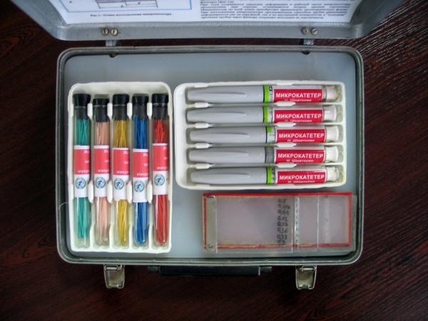 Микрокатетеры различного диаметра с маркировкой соответствующего цвета